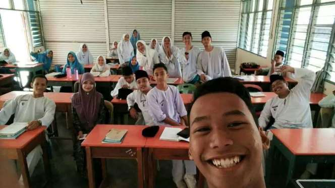 sejarah-class-with-teacher-azela-since-2015-2016