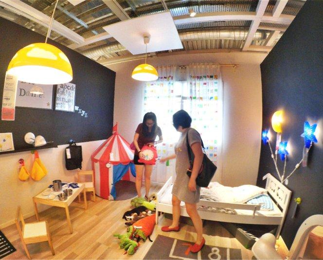 raymond-ong-effye-ang-kong-waishim-priscilla-ong-shopping-at-ikea-cheras-kuala-lumpur-selangor-malaysia-effye-media-web-development-online-advertising-a35