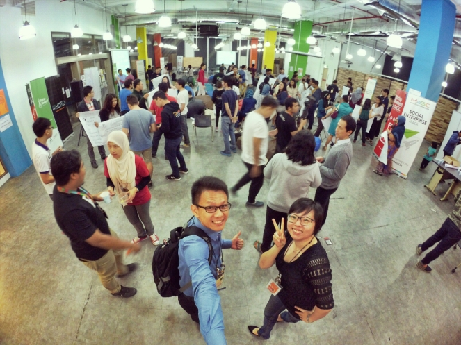 startup-weekend-at-magic-cyberjaya-malaysia-powered-by-google-for-entrepreneurs-social-enterprise-edition-raymond-ong-and-effye-ang-effye-media-online-advertising-a14
