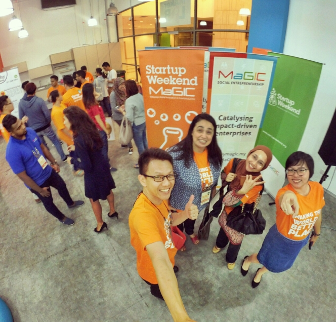 startup-weekend-at-magic-cyberjaya-malaysia-powered-by-google-for-entrepreneurs-social-enterprise-edition-raymond-ong-and-effye-ang-effye-media-online-advertising-a91