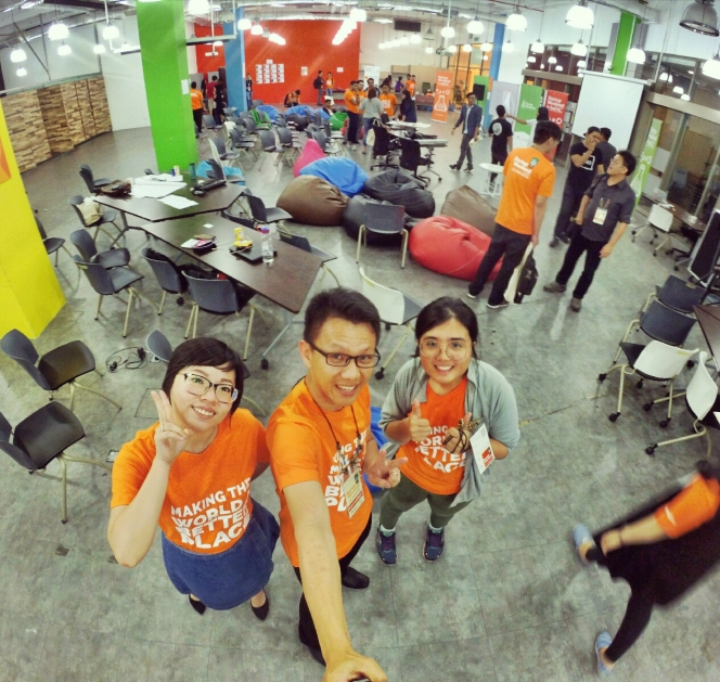 startup-weekend-at-magic-cyberjaya-malaysia-powered-by-google-for-entrepreneurs-social-enterprise-edition-raymond-ong-and-effye-ang-effye-media-online-advertising-a93