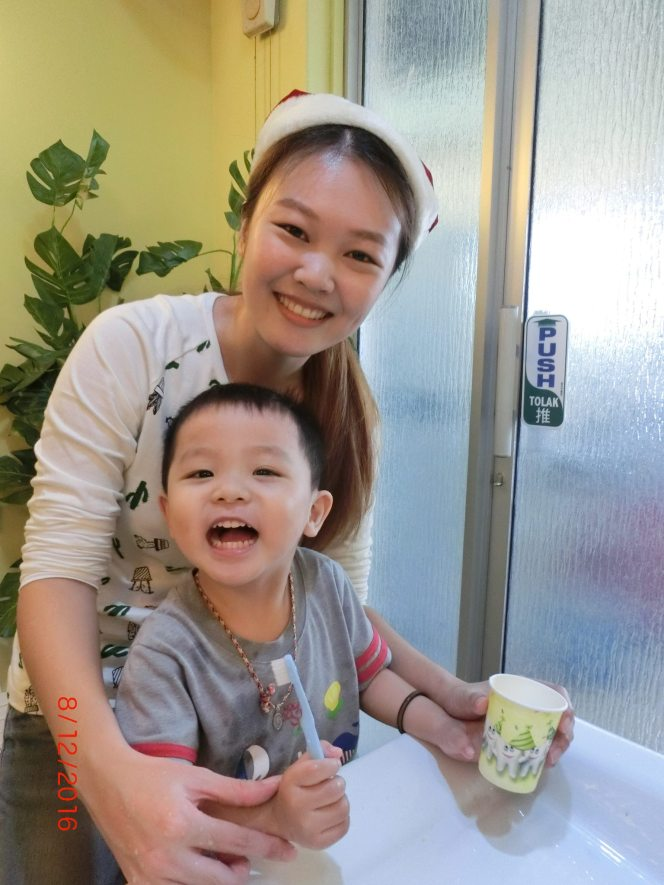 2016-family-care-dental-batu-pahat-dentist-clinic-dental-special-assistant-passion-children-oral-care-teeth-brushing-education-kids-course-mrc-myobrace-bad-habits-myofunctional-habits-mouth-breathing