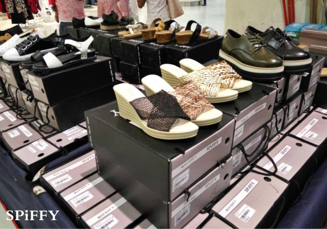 Fashion Shoes Sales Affordable Shoes Red Modani Store at Subang Parade Subang Jaya Selangor Malaysia Spiffy Fasshion Shoes Season Clearance Stock Spiffy Fair A11