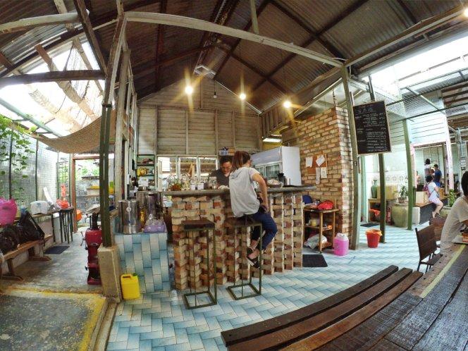 长颈鹿图书馆 蕉赖 雪兰莪 马来西亚 文艺咖啡厅图书馆 Little Giraffe Book Club Balakong 43200 Batu 9 Cheras Selangor Malaysia Art Cafe Library A11