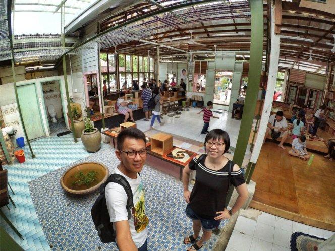 长颈鹿图书馆 蕉赖 雪兰莪 马来西亚 文艺咖啡厅图书馆 Little Giraffe Book Club Balakong 43200 Batu 9 Cheras Selangor Malaysia Art Cafe Library A19