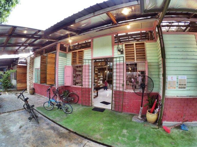 长颈鹿图书馆 蕉赖 雪兰莪 马来西亚 文艺咖啡厅图书馆 Little Giraffe Book Club Balakong 43200 Batu 9 Cheras Selangor Malaysia Art Cafe Library A07