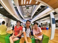 Raymond Ong and Effye Ang walk around with Mum Ng Siok Gek Regiustea Cafe in Malaysia 和妈妈逛街 A26