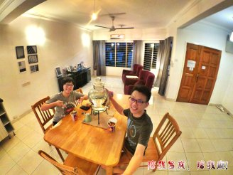 Raymond Ong Effye Ang work together Fighting for Future Crazy Life 陪我发疯 陪我癫 Homestay Gray House Kuala Lumpur Eating Mee A16
