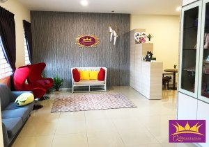 Qlady皇妃月子与护理中心 峇株巴辖 柔佛 马来西亚 做月子 女性长短期护理 陪月 经期调养休息 A46