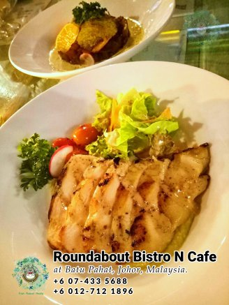 Batu Pahat Roundabout Bistro N Cafe Malaysia Johor Batu Pahat Totoro Cafe Historical Building Cafe Batu Pahat Landmark Buffet Birthday Party Wedding Function Event Kopitiam PB01-10