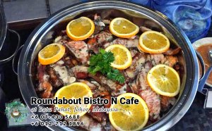 Buffet Batu Pahat Roundabout Bistro N Cafe Malaysia Johor Batu Pahat Totoro Cafe Historical Building Cafe Batu Pahat Landmark Birthday Party Wedding Function Event Kopitiam PC01-40