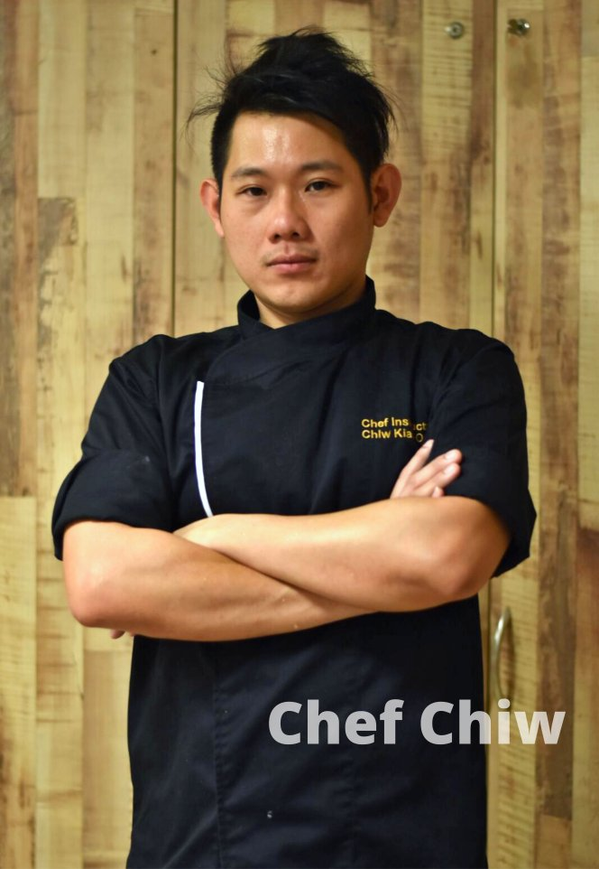 Chef Chiw Kian Ong Chef at Roundabout Bistro N Cafe Batu Pahat Johor Malaysia Make mistakes and learn from themstay humble and determined A01-01.jpg