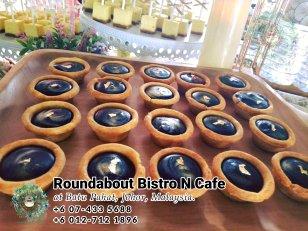峇株巴辖自助餐龙猫特色中西餐厅 复古式建筑咖啡厅 马来西亚柔佛峇株巴辖地标交通圈小酒馆 公司聚会 Batu Pahat Roudabout Bistro N Cafe PC01-21