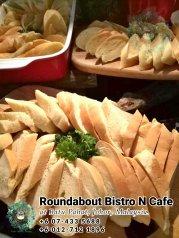 峇株巴辖自助餐龙猫特色中西餐厅 复古式建筑咖啡厅 马来西亚柔佛峇株巴辖地标交通圈小酒馆 公司聚会 Batu Pahat Roudabout Bistro N Cafe PC01-27