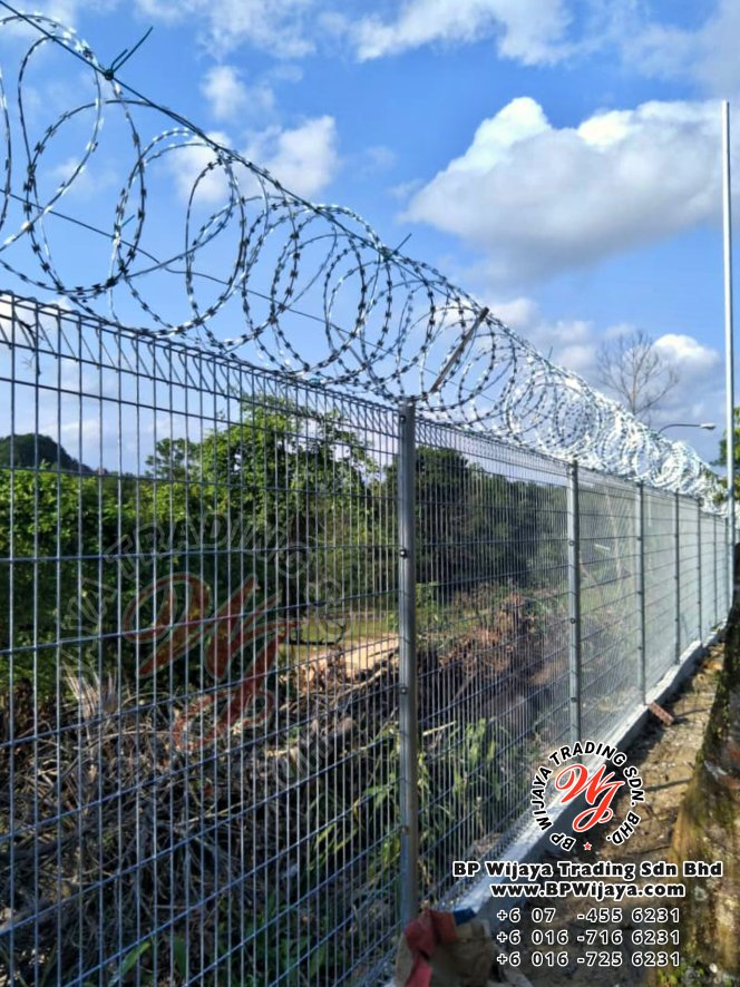 bp wijaya trading sdn bhd security fence project ulu tiram johor malaysia galvanized fence and galvanized razor barbed wire a001