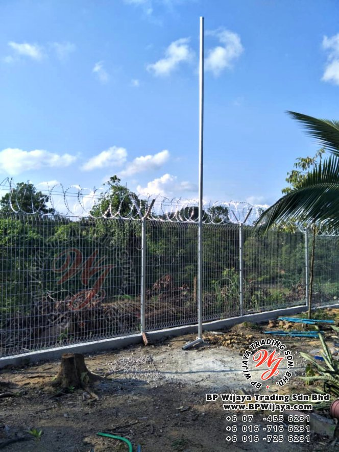 bp wijaya trading sdn bhd security fence project ulu tiram johor malaysia galvanized fence and galvanized razor barbed wire a002